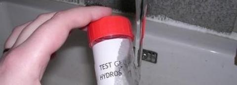 Ce mois ci on décolle… l'étiquette hydrosoluble !